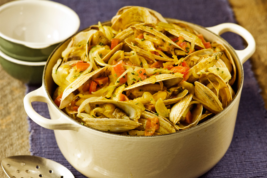 Island-Steamers-with-Fennel-Tomato-and-Lime