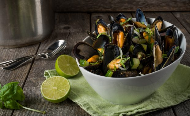 Blueberry Ale, Red Onion and Lime Steamed Mussels